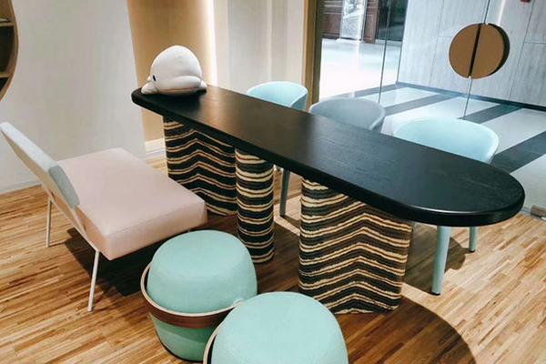 上海东方小熊课桌