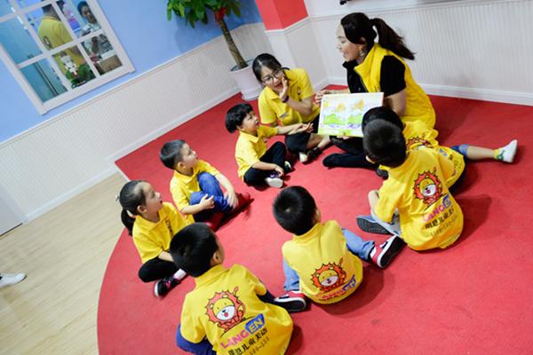 朗恩儿童美语学员互动