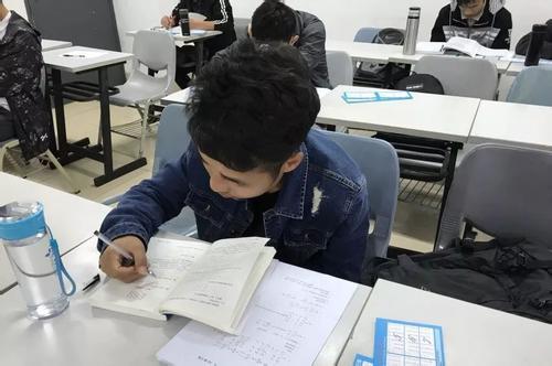 上海杨浦专本套读培训哪家辅导班多少钱